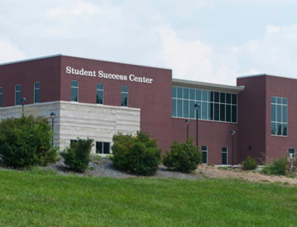 SIUE STUDENT SUCCESS CENTER-2vndmse93th492vewknrpm